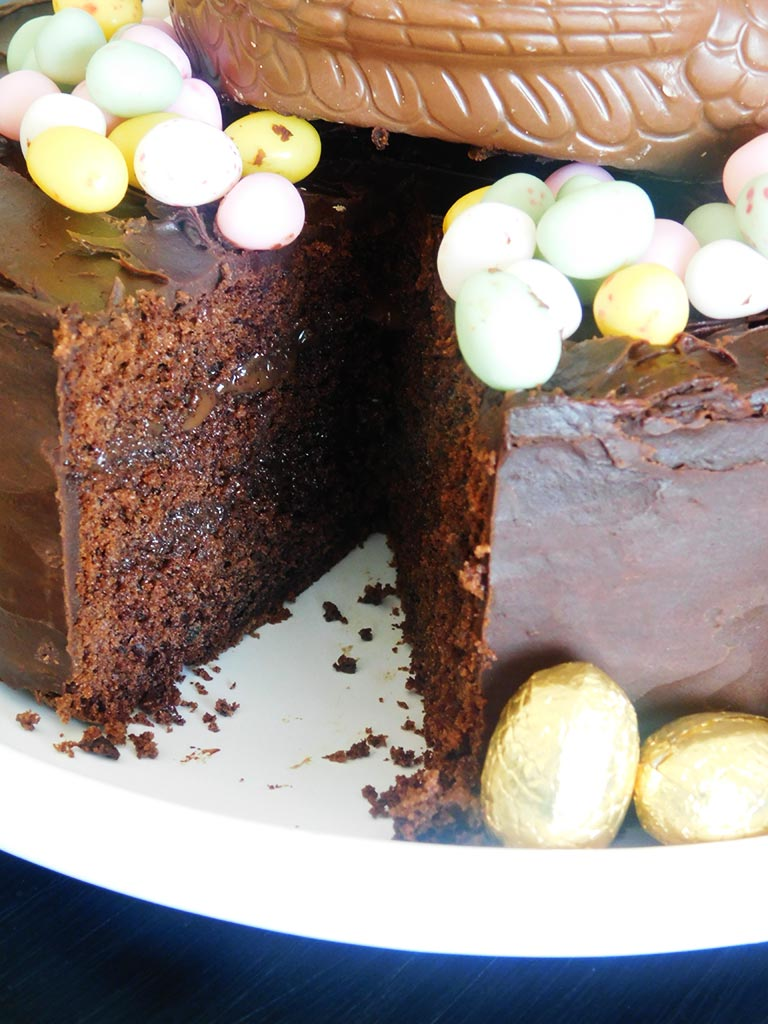 Layer cake tout chocolat pour Pâques